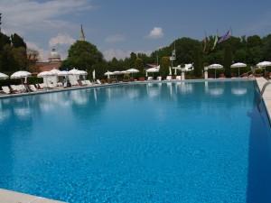 Bella Travel Cipriani Pool