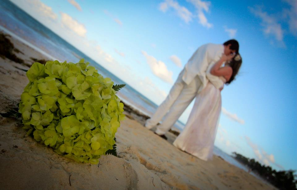 How to Set Your Destination Wedding Budget
