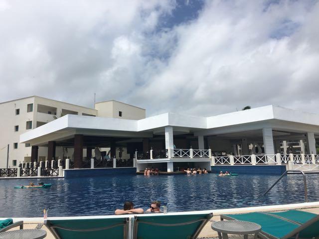 Hotel Review – Secrets Silversands